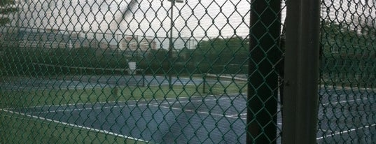 Elias Green Tennis Courts is one of 주변장소5.