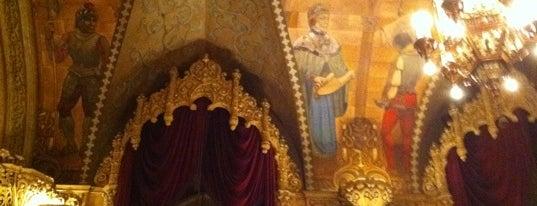 Regent Theatre is one of Quintessential Melbourne.