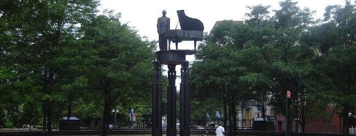 Central Park Monuments & Memorials Tour