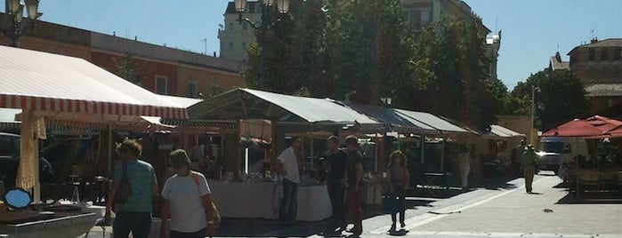 Cours Saleya is one of FR2DAY's Guide to the Great Outdoors.