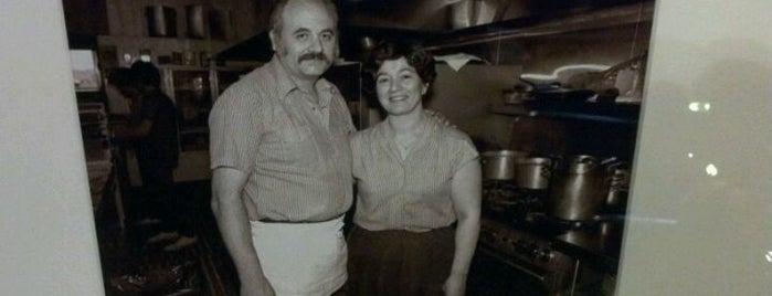 Luna Pizzeria & Italian Restaraunt is one of Food in Fresno-Clovis, California.