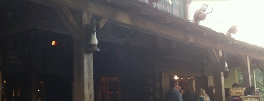 Pioneer Mercantile is one of Disneyland Shops.