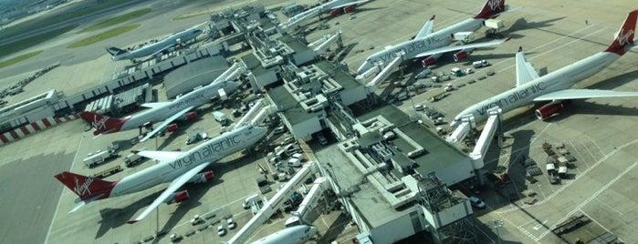 Terminal 3 is one of Summer in London/été à Londres.