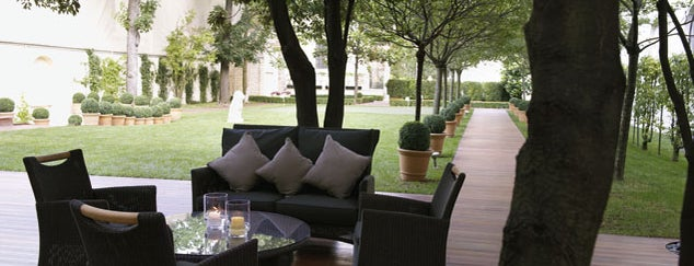 Terrasse Du Ritz is one of Paris.