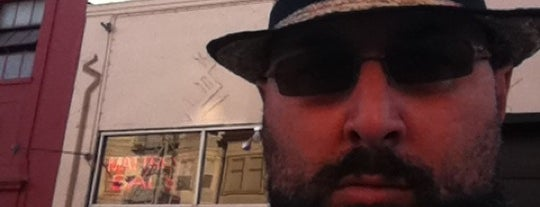Banksy art in san francisco for Banksy rat mural