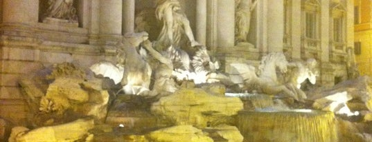 Fontana di Trevi is one of Best time ever.