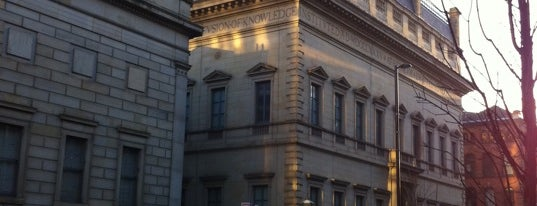 Manchester Art Gallery is one of Inspired locations of learning.