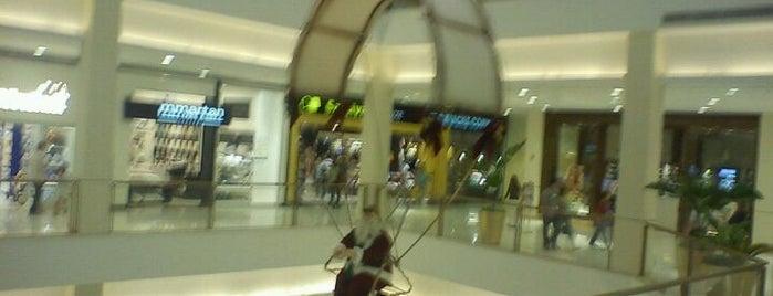 Shopping Iguatemi Alphaville is one of Shoppings de São Paulo.