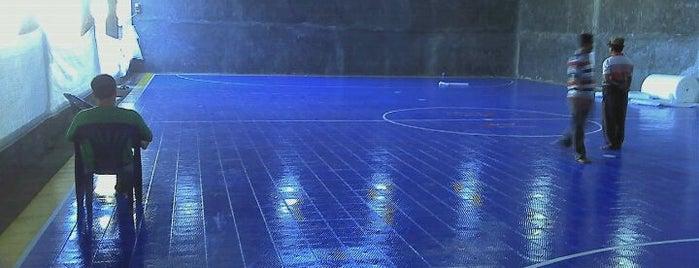 ISTANA FUTSAL STADIUM (First Internasional Futsal Courts In Bima) Lapangan yg sama digunakan SEA GAMES 26th dan PON 18 RIAU is one of Lapangan Futsal.