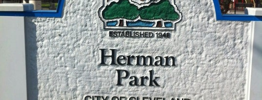 Herman Park is one of Gordon Square Arts District.