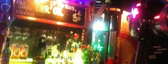 Café Oz is one of Bars du Jeudi.