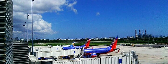 Fort Lauderdale-Hollywood International Airport (FLL) is one of Airports been to.