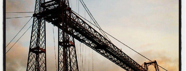 Puente Bizkaia is one of cosas visitadas.