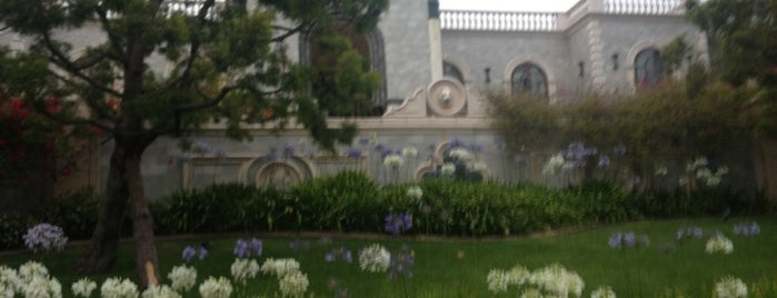 Playboy Mansion is one of I'm in L.A. you trick!.