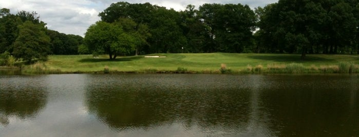 Sparrows Point Country Club is one of Must-visit Golf Courses in Baltimore.
