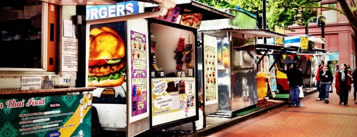Oak Food Carts is one of Places from the reporting trail.