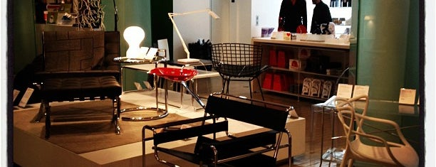 MoMA Design Store is one of Toren & Tamara Look at Pretty Things.