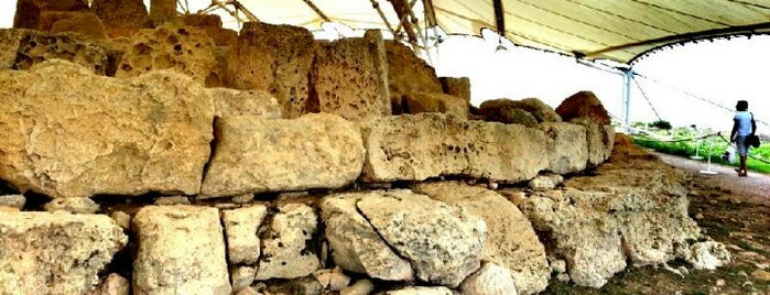 Mnajdra Temples is one of Malta Cultural Spots.