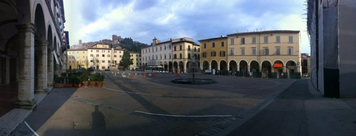 Piazza Arnolfo di Cambio is one of Best places in Firenze, Italia.