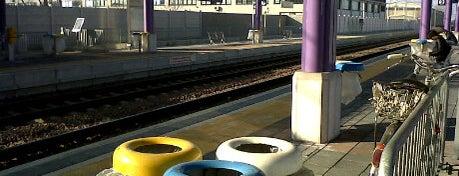 Stazione Cesano Boscone is one of Linee S e Passante Ferroviario di Milano.