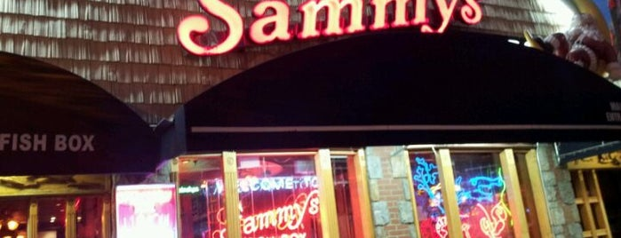Sammy's Fish Box Restaurant is one of NYC SCENERY by the water.