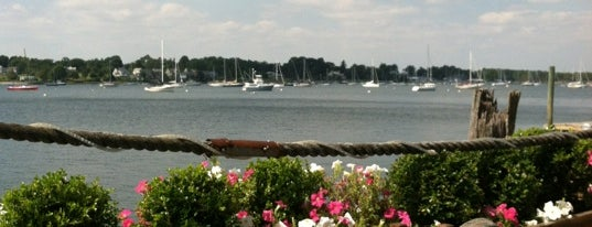 Thames Waterside Bar and Grill is one of Favorite eats in the RI, Ma area.