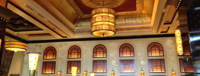 Grand Lux Cafe is one of Out & About around Aventura.