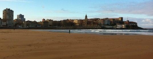 Playa de San Lorenzo is one of Las vistas de Gijón.
