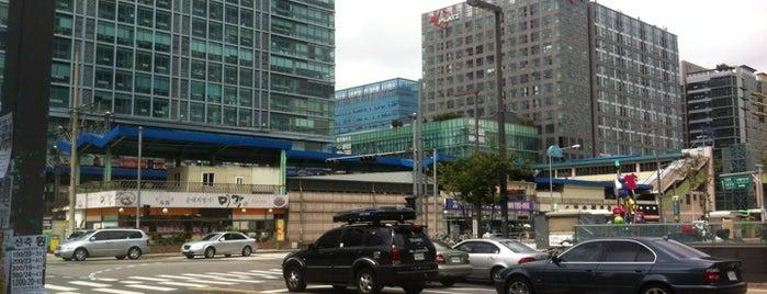 가산디지털단지역 (Gasan Digital Complex Stn.) is one of Subway Stations in Seoul(line1~4 & DX).