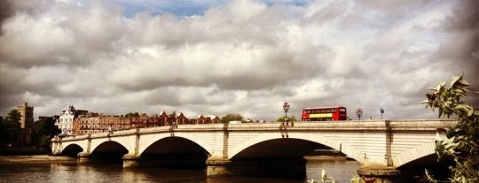 Putney Bridge is one of Favorite Great Outdoors.