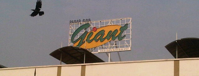 Giant Superstore Port Klang is one of Shopping Mall..
