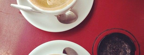Moka Classic Espresso Bar is one of Bruxelles.