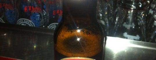 Le P'tit Pub is one of Bars et bistros.