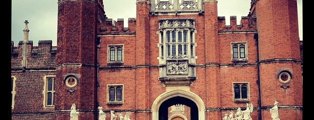 Hampton Court Palace is one of London City Badge - London Calling.
