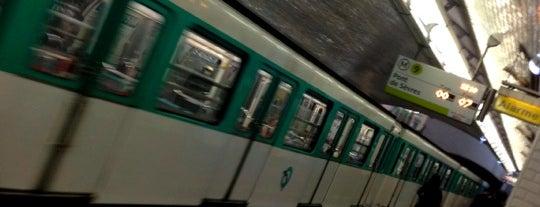 Métro Saint-Augustin [9] is one of Stations de metro a Paris.