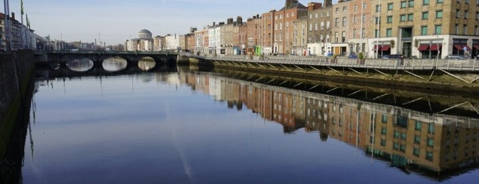 O'Connell Bridge is one of Dublin Tourist Guide.