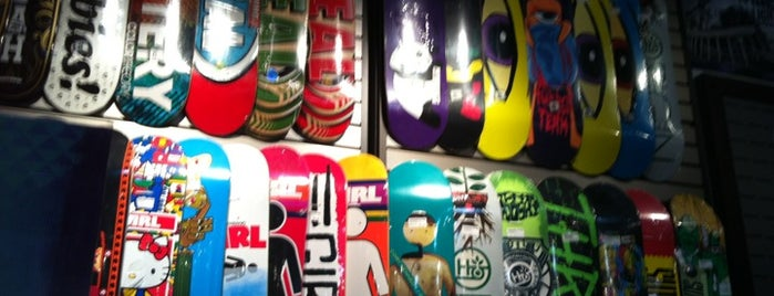 Zumiez is one of SNOWBOARD SHOPS.