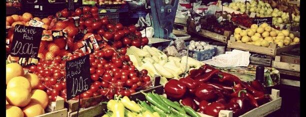 Újpesti Piac és Vásárcsarnok is one of kedvenc helyek.