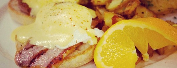 Epicure Café & Grill is one of Best Brunch Spots in Downtown Toronto.