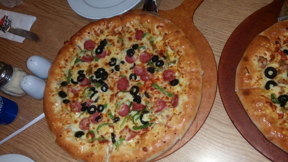 pizza hut social responsibilities The new pizza hut social ordering platform is another example of making it easy for our customer to order their favorites from pizza hut, said concors we are constantly pursuing ways to.