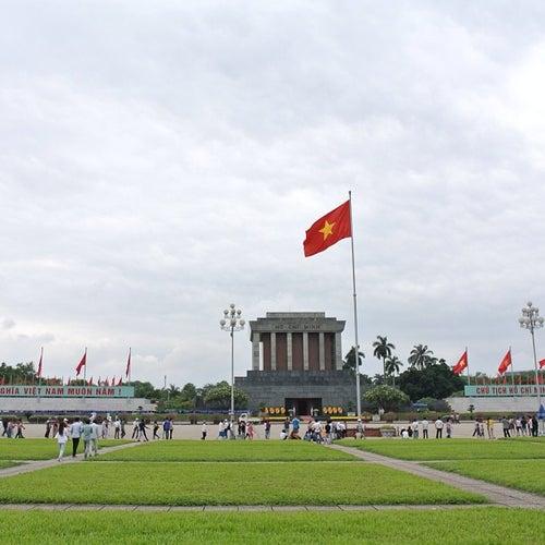 Lăng Chủ Tịch Hồ Chí Minh (Ho Chi Minh Mausoleum)
