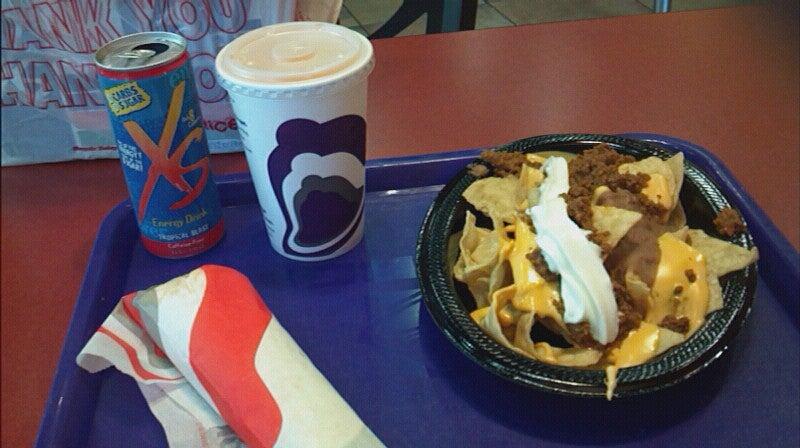 Taco Bell,drive thru,fast food,fast food|tacos|drive thru,tacos