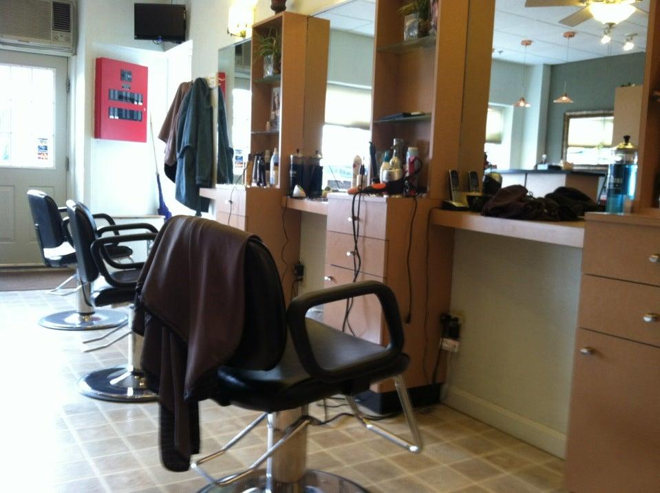 Salon Deluxe,