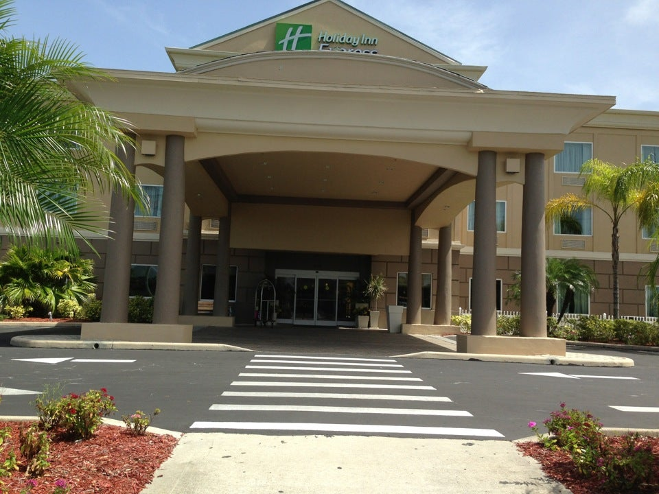 Holiday Inn Express & Suites Cocoa,