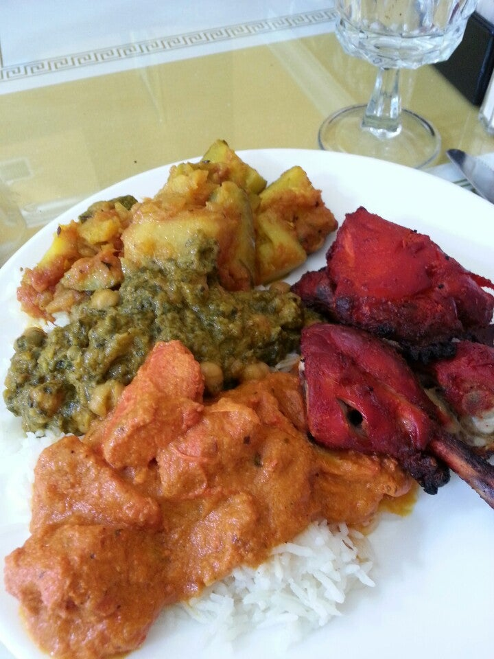 SITAR INDIAN RESTAURANT,huge lunch buffet bar,lots of parking next  to restaurant