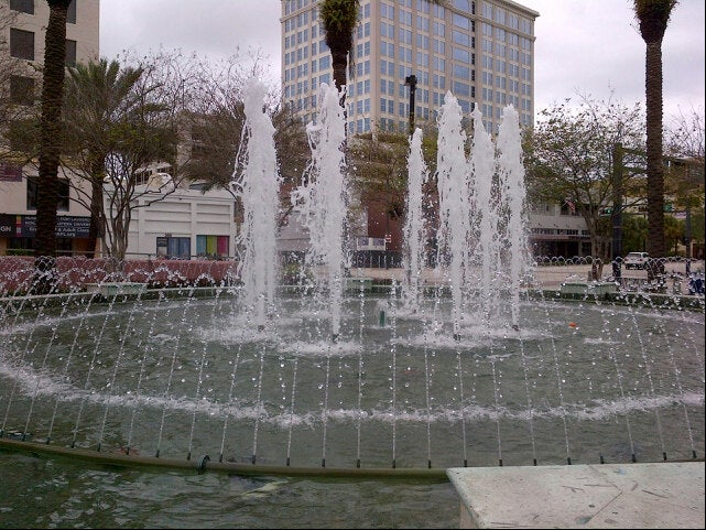 Huizenga Plaza/Bubier Park