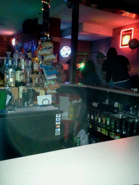Town Tavern,bar,pool table,tavern