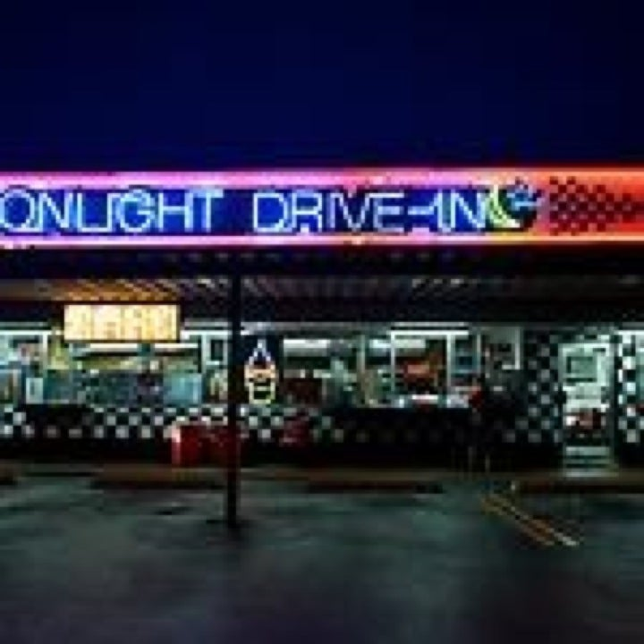 Moon Light Drive In,drive-in,milkshakes