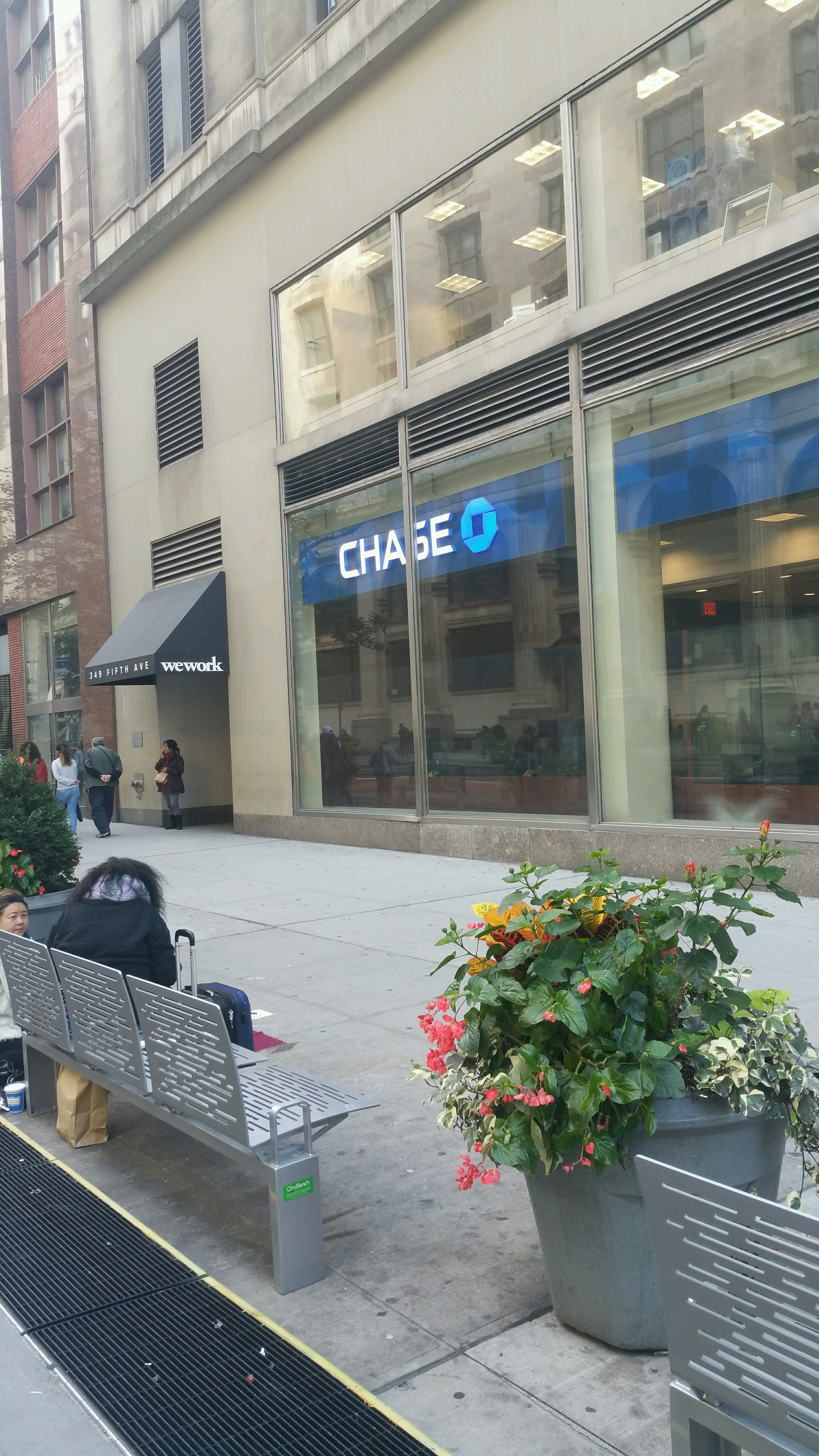Chase,atm,bank