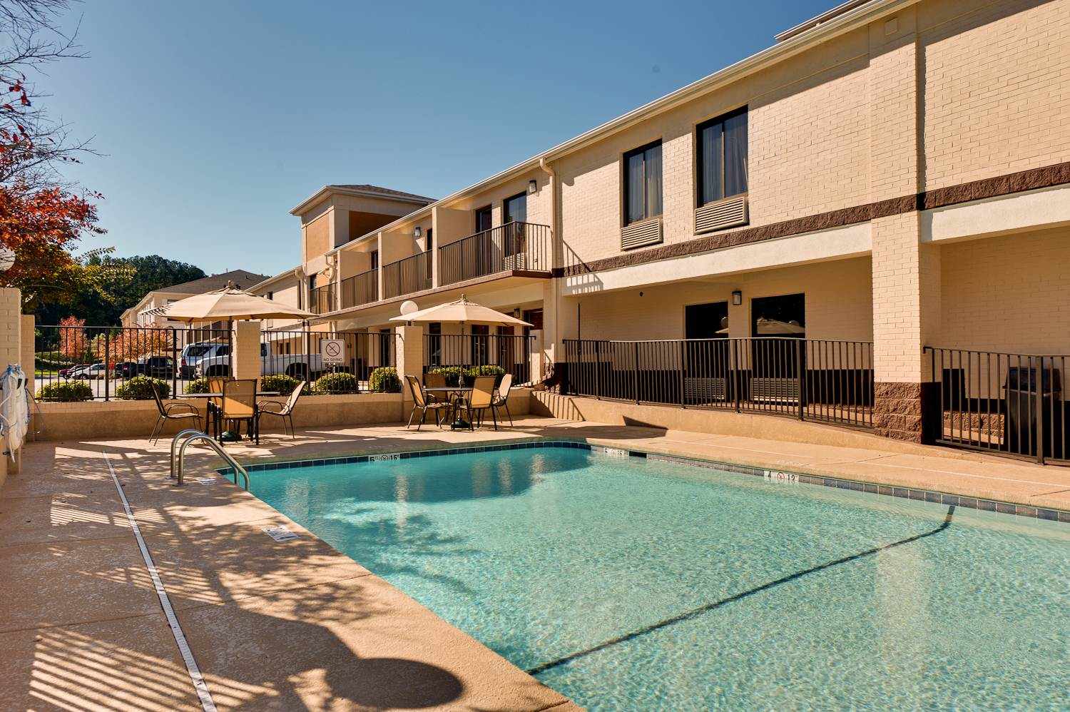 Quality Inn,free wifi,full breakfast,guest laundry,gym,meeting spaces,pool